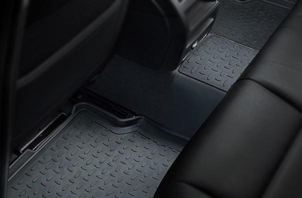 Резиновые коврики с высоким бортом на задний ряд сидений